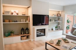 Casa Adosada: Salones de estilo clásico de Thinking Home