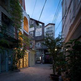 BACKYARD HOUSE:   by AD+