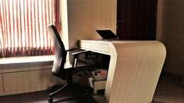 Prateek & Shivangi - Couple Room Interior: modern Study/office by tcrproject