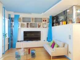 Appartamento 1: Soggiorno in stile in stile Moderno di Studio di Architettura e Design Giovanni Scopece