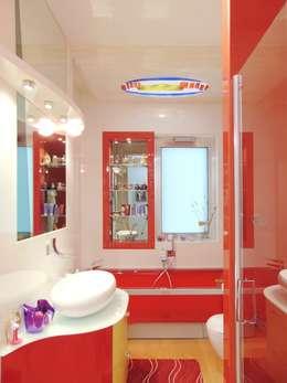 Appartamento 1: Bagno in stile in stile Moderno di Studio di Architettura e Design Giovanni Scopece