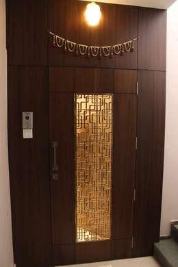 Tamhane Residence Interiors:  Doors by Vangikar Architects