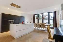Interne verbouwing Leiden: moderne Keuken door Puurbouwen