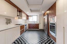 22-106: Cocinas de estilo minimalista por ARCE S.A.S