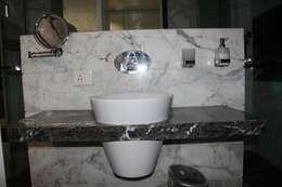 Chugh Villa: modern Bathroom by Innerspace
