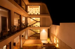 Indra hira bungalow: modern Houses by Innerspace