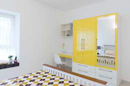 Durga Petals 302: modern Study/office by Designasm Studio