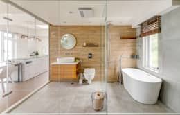 白屋居所:  浴室 by 御見設計企業有限公司