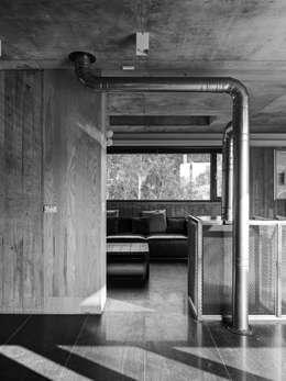 關西杜宅:  客廳 by 形構設計 Morpho-Design