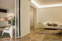 Home Staging su vuoto in signorile appartamento a ROMA:  in stile  di Angela Paniccia Home Staging& Redesigner  - Consulente d'immagine immobiliare