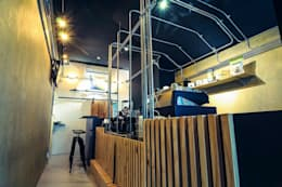 High-Tech _ Lofting Coffee _ Inside_A:  辦公室&店面 by 泫工所構築設計研究室