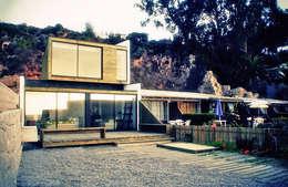 Casa Pazols: Casas unifamiliares de estilo  por m2 estudio arquitectos