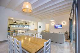 Casa modular: Comedores de estilo moderno por JOM HOUSES