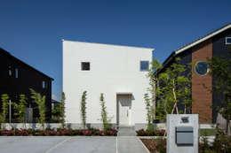 松岡淳建築設計事務所의  일세대용 주택