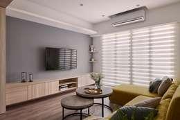 scandinavian Living room by 層層室內裝修設計有限公司