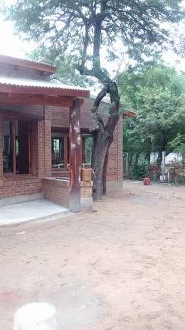 CASA CELMIRA, Santiago del Estero.: Casas de estilo rústico por A3 arquitectas