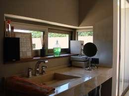 IP - Toilette 1: Spa de estilo moderno por Módulo 3 arquitectura