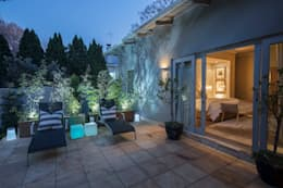 House Parkwood:  Patios by Spegash Interiors