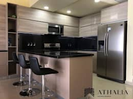 Cocina 2: Muebles de cocinas de estilo  por Athalia cocinas y Carpinteria