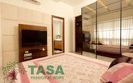 Bedroom design and wordrobe: modern Bedroom by TASA interior designer