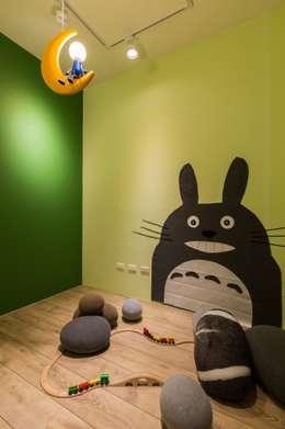 暖心:  嬰兒/兒童房 by 詩賦室內設計