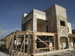 Quinta Providencia:  de estilo  por TECTUM Diseño & Construccion