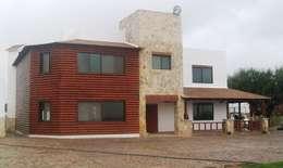 Quinta Providencia: Bungalows de estilo  por TECTUM Diseño & Construccion