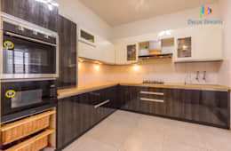 Vaishnavi Terraces, 3 BHK - Ms. Supriya:  Built-in kitchens by DECOR DREAMS