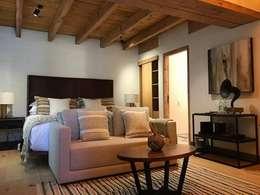 HOTEL BOUTIQUE VALLE DE BRAVO: Recámaras de estilo moderno por Taller Estudio P