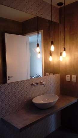 Banheiro de cobertura no Recreio: Banheiros modernos por Margareth Salles