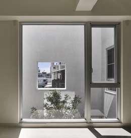 劉宅照片:  窗 by 良悅建築