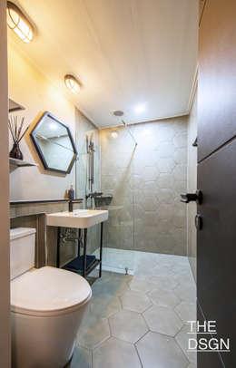 심플한 헥사곤 포인트 욕실: 더디자인 the dsgn의  화장실