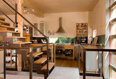 Haus K.: rustikale Küche von Architekturbüro Riek