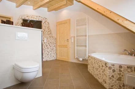 Luxus-Bad: ausgefallene Badezimmer von Fliesen Hiersemann