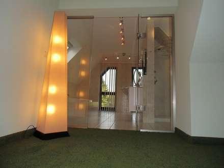 Ankleidezimmer Waldenburg: ausgefallene Ankleidezimmer von RAUMAX GmbH
