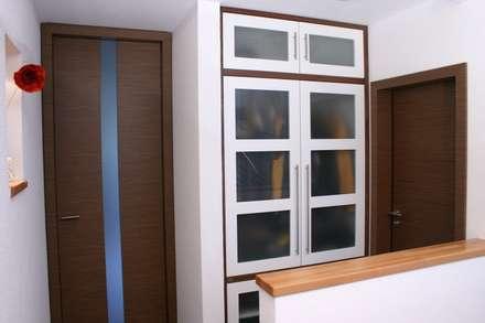 Gaderoben : landhausstil Ankleidezimmer von Schreinerei Deml GmbH