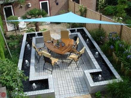 Aranżacje płytek cementowych w salach i na tarasach: styl , w kategorii Ogród zaprojektowany przez Kolory Maroka