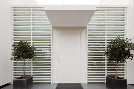 Villa Germany:  Fenster von HI-MACS®