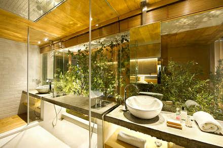Bajo comercial convertido en loft (Terrassa): Baños de estilo rústico de Egue y Seta
