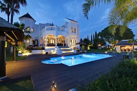Piscina: Piscinas de estilo ecléctico de Ambience Home Design S.L.