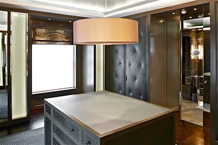master dressing room for him: classic Dressing room by Fisher ID