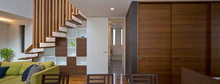 M6-house 「  幾何学の家」: Architect Show co.,Ltdが手掛けたワインセラーです。