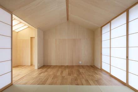 三田の農家-ANNEX/GAZEBO: eu建築設計が手掛けた寝室です。