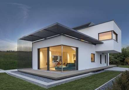 Moderne Häuser Von LUXHAUS Vertrieb GmbH U0026 Co.