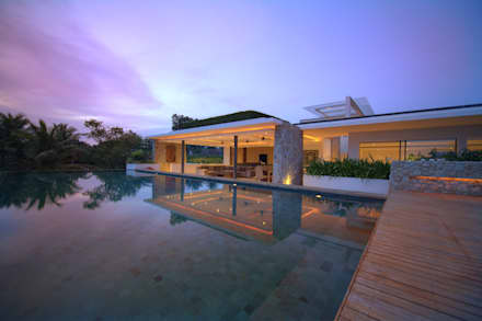 Pool side evening: asian Pool by Alissa Ugolini - homify UK