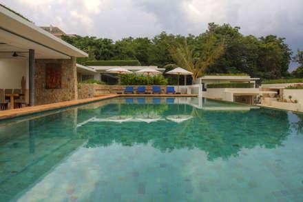 Pool side: asian Pool by Alissa Ugolini - homify UK