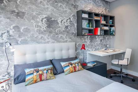 Vivienda en Plaza Euskadi Nº9, Bilbao. : Dormitorios infantiles de estilo minimalista de URBANA 15