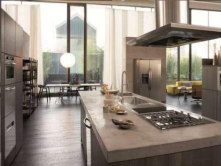 cocinas: Cocinas de estilo ecléctico por Gama Elite
