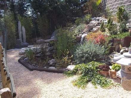 PISCINAS ECOLÓGICAS. NATURAL POOLS: Jardines de estilo mediterráneo de VIVSA. VIVIENDA SANA