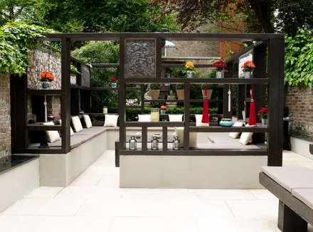 Modern Garden in West London: modern Garden by Earth Designs